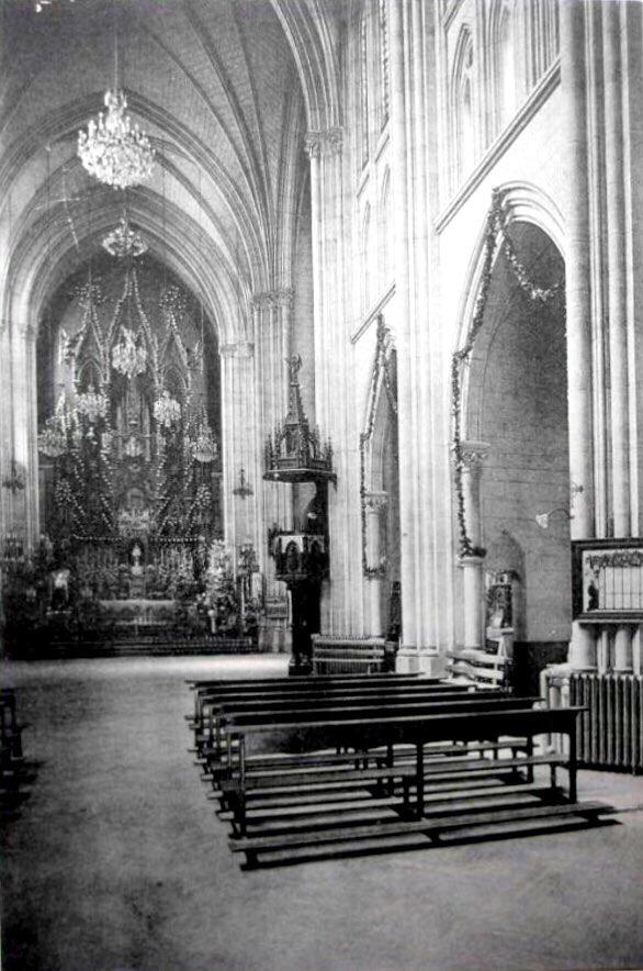 Interior del Santuario del Perpetuo Socorro ca. 1910. Fuente: Todocoleccion